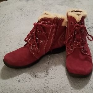 Earth Origins Zip-Up Red and Faux Fur Booties